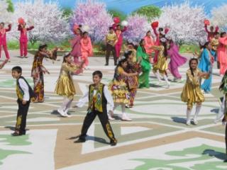 Uzbekistan Navruz - New Year Festival Tour With Zulya Rajabo...